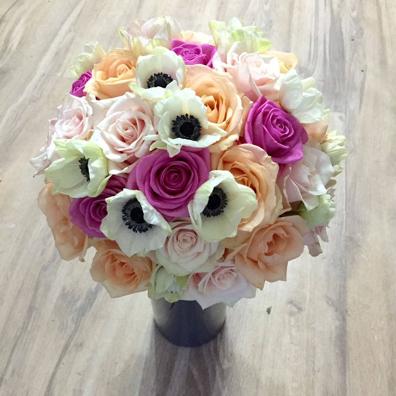 Buchet Mireasa Din Trandafiri Si Anemone Art Decor Flowers