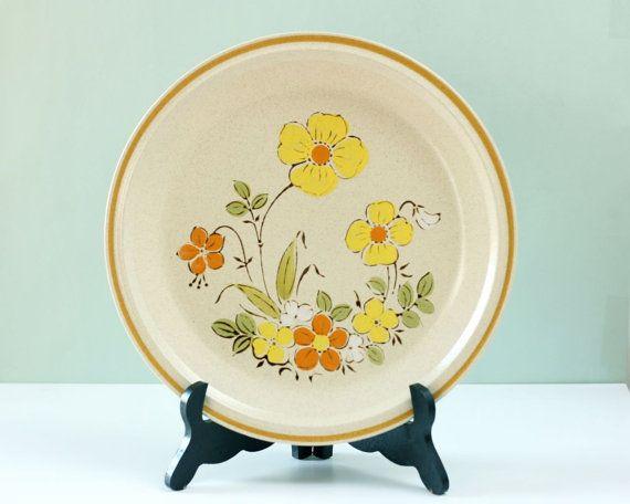 Vintage Stoneware Plate Hearthside Sunshine Flowers Garden Festival ...