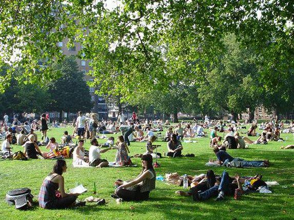 LONDON PARKS » You Only Live Once | London park, Park, London fields
