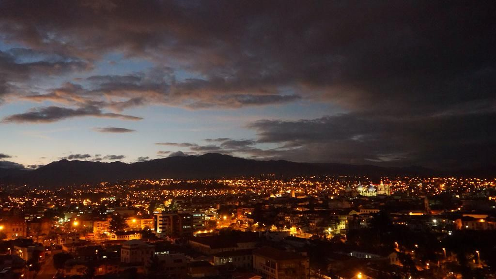 Cuenca looks even more magical at night - this is the view to the old town #FeelAgainInEcuador #teamDe #cuenca