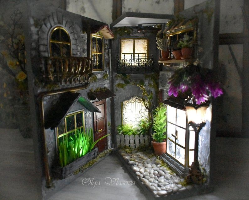 bookshelf art, book nook, Miniature street, Miniature art, Original art ,on the shelf art,Dollhouse, Miniature work of art