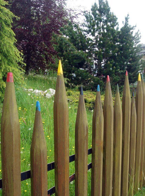Cool Fences for Your Yard and Garden ~p l a y~ Pinterest Tuin