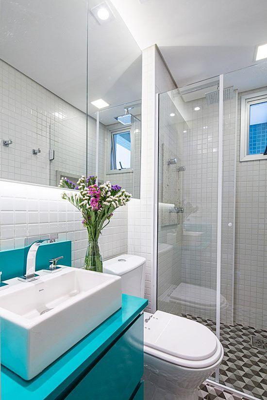 20 banheiros e lavabos pequenos e claros Bancadas azuis, Banheiro - lavabos pequeos