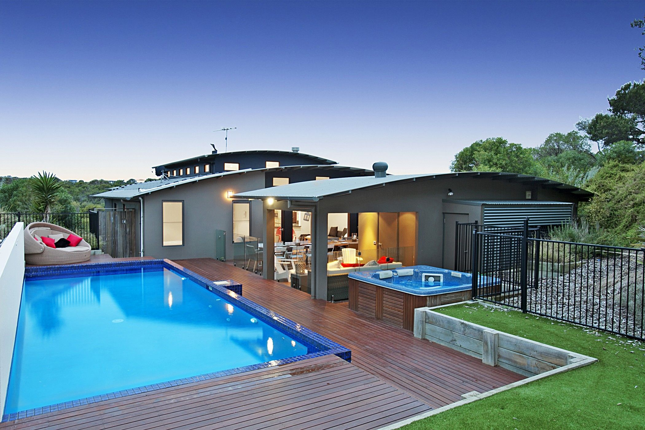 Pin By A On Njh 17 Ocean House House Holiday Home