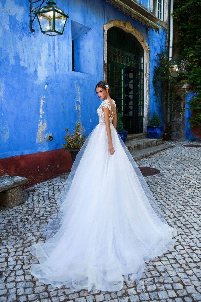 КРАСИВОЕ СВАДЕБНОЕ ПЛАТЬЕ И КРАСИВАЯ ДЕВУШКА millanova свадебные