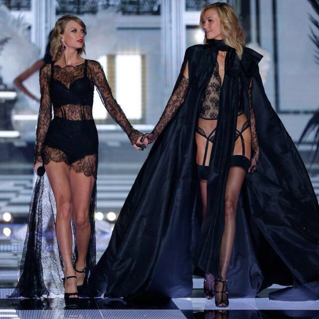 d3f9bcd2f6 Taylor Swift and Karlie Kloss- The Victoria s Secret Fashion Show ...
