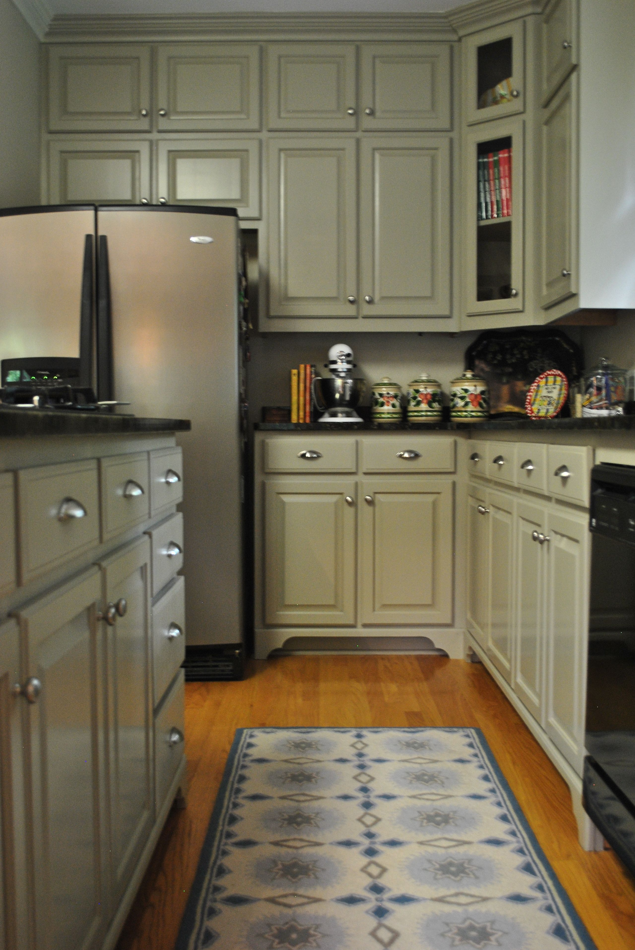 Pin By Lee Ann Burkhart On My Designs Grey Kitchen Cabinets Home Kitchens Kitchen Remodel