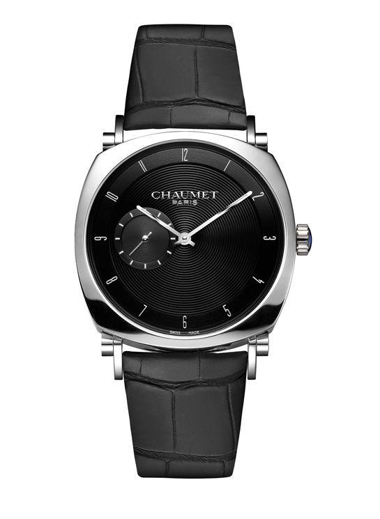 Chaumet montre Dandy noir http://www.vogue.fr/vogue-hommes/montres/diaporama/horlogerie-montres-homme-all-black-cadran-noir/20709/image/1105553#!chaumet-montre-dandy-slim-noir