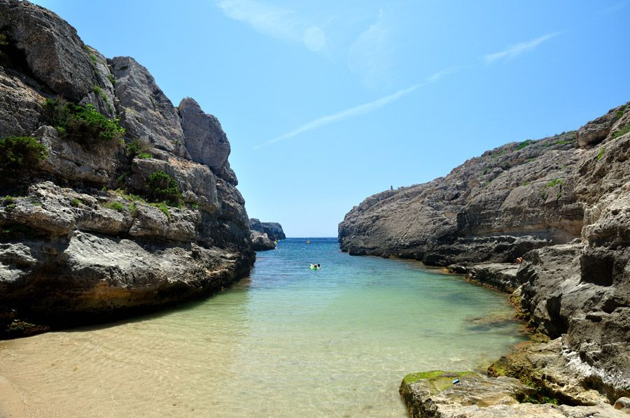 3 lugares de Menorca a los que te gustará llegar navegando