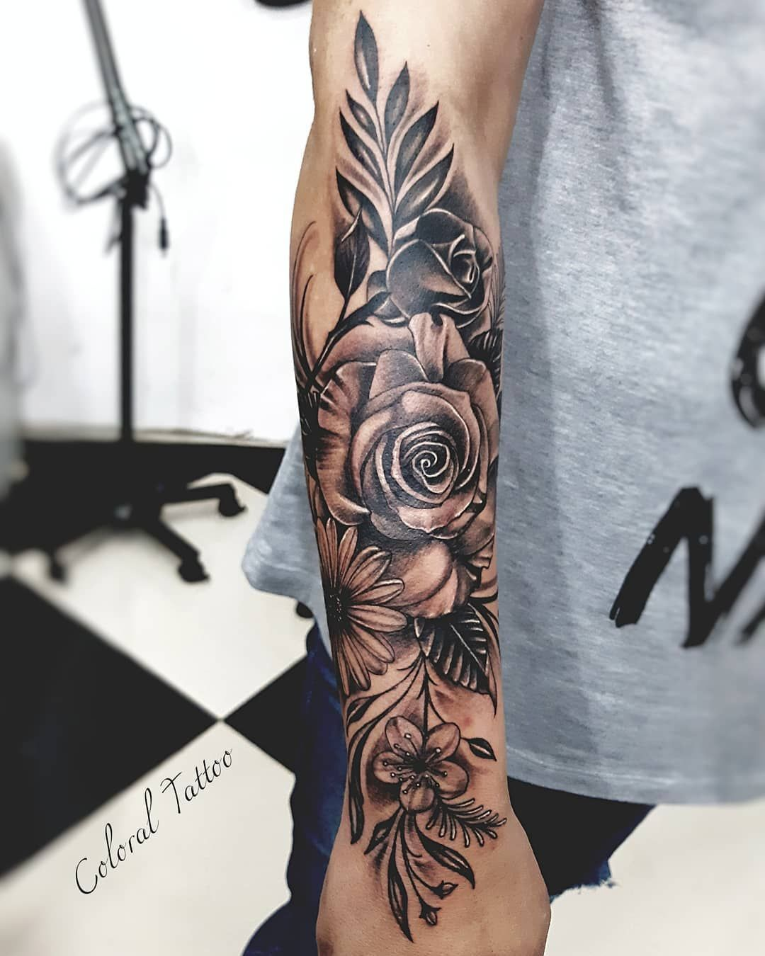 Love this if it was a little lighter Lower belly tattoos
