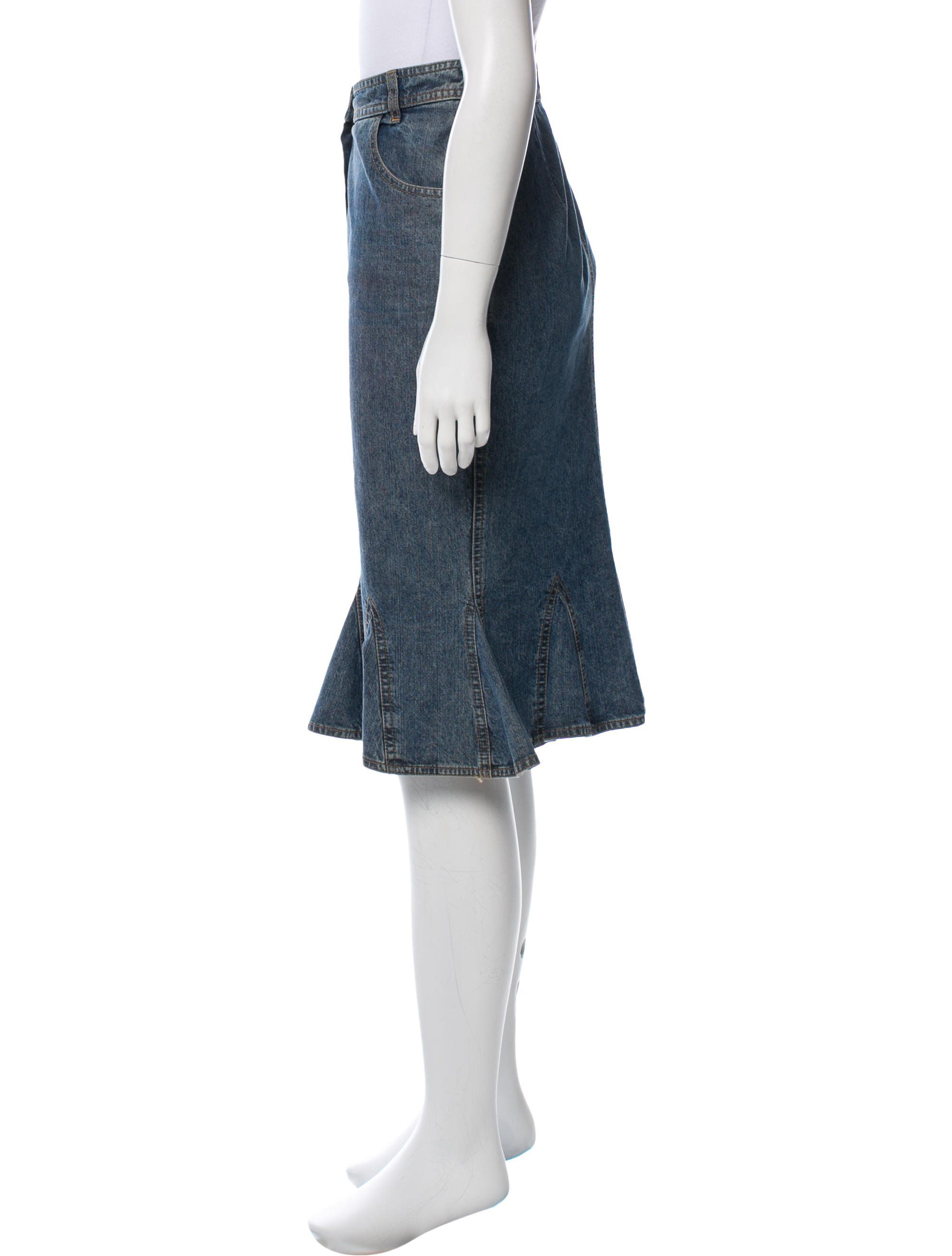 3b032bcd6 Medium wash blue Christian Dior silk denim skirt with contrast stitching  and zip closure at front.