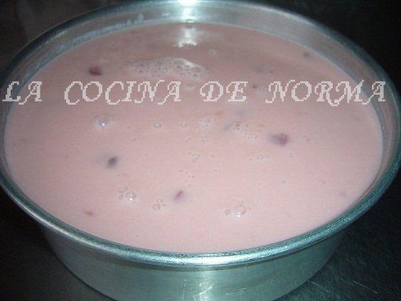 Me encanta la gelatina de yogurt del sabor que sea pero me encanta, me he encontrado con esta deliciosa receta en mí querido Foro de Univis...