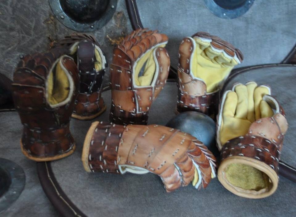 Combat Gloves for Re-enactment by Melnir Rune