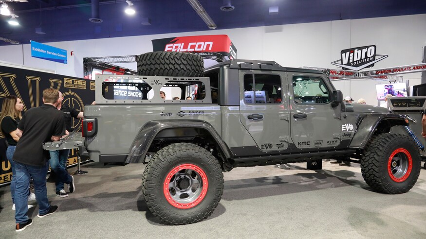 Mega Gallery The Custom Jeep Gladiator Jt Builds Of Sema 2019