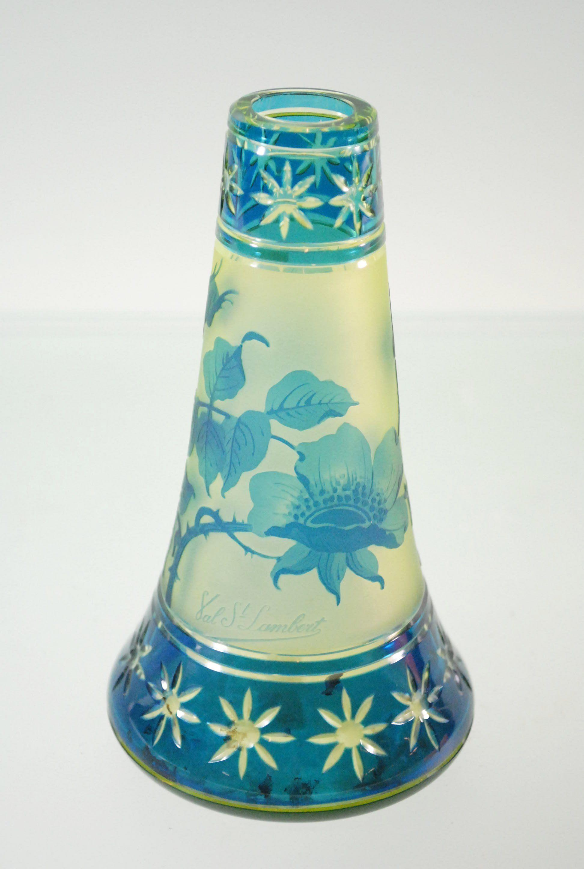 Vase en cristal taillé et dégagé à l'acide Val St Lambert