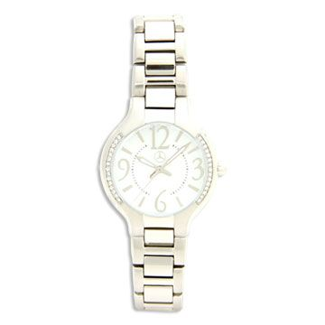 Ladies 32mm polished/brushed stainless steel case with 30 crystals. White mother-of-pearl dial. Adjustable brushed/polished stainless steel bracelet with foldover safety buckle. Swiss quartz movement. Water resistant to 100 ft. Produced exclusively by Tourneau for Mercedes Benz.  Call us to order 1 866.551.1873  Item Number - A962 999 0377      Part Number: A962 999 0377