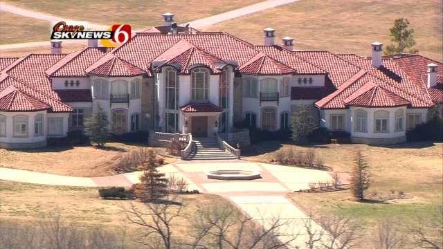 Garth Brooks Home In Oklahoma Garth Brooks Oklahoma Fun Garth