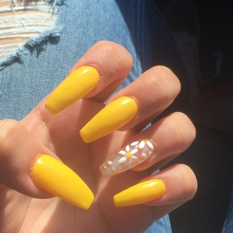 Trendy And Attractive Coffin Nail Design In 2020 Nail Designs Acrylic Nail Designs Yellow Nails