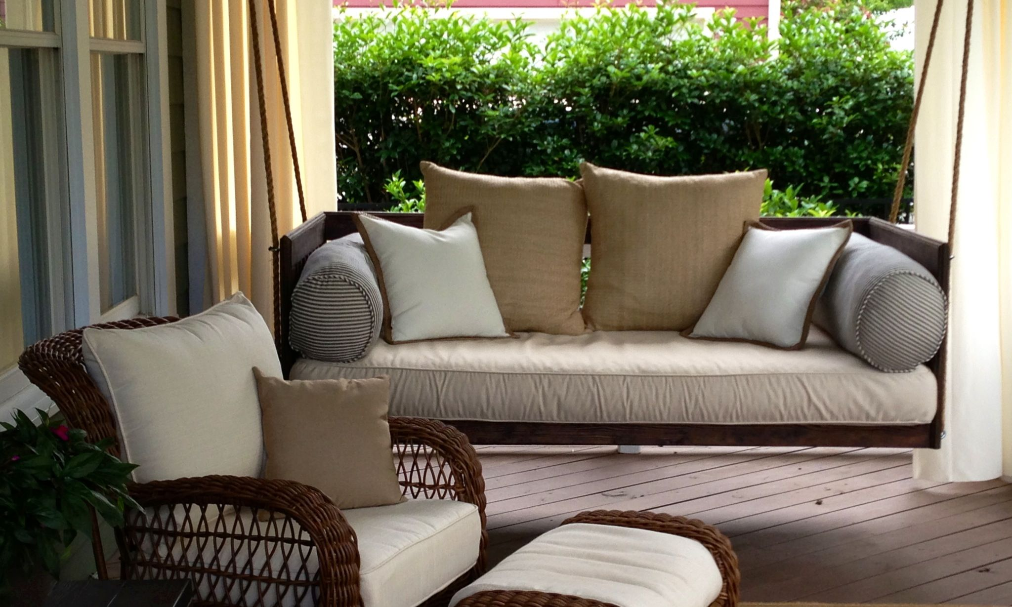 swinging porch classical beds glider picture 2 048—1 229 pixels