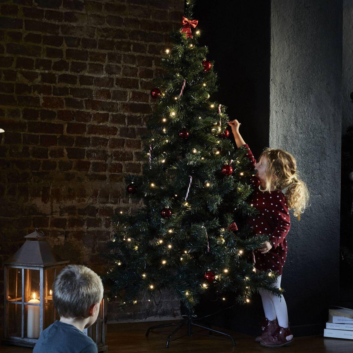 Sapin De Noel Avec Pied sapin de noël artificiel de 180 cm avec guirlande lumineuse