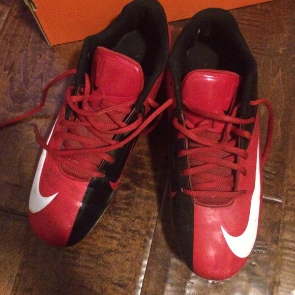 """Mens Nike Cletes Size 7.5 Gently used- Mens Nike Cletes Size 7.5- Colors Red & Black with white Nike Logo and white """"Nike"""" lettering Nike Shoes Athletic Shoes"""