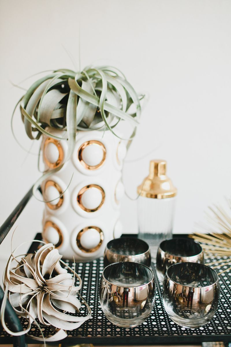 A Golden New Year\'s Eve Party at Home | Design & Styling: Beijos ...