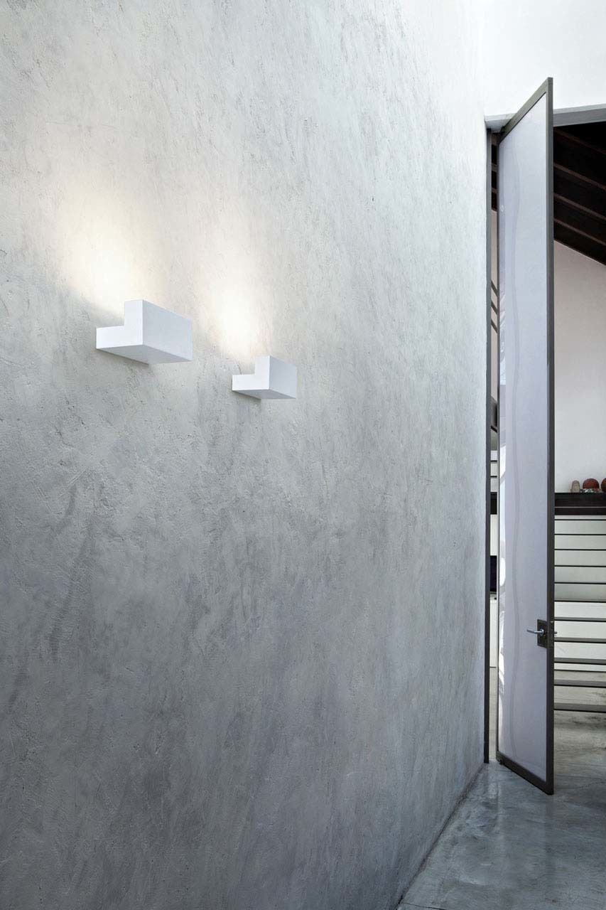 Long Light Modern Wall And Ceiling Lamp By Philippe Starck Flos