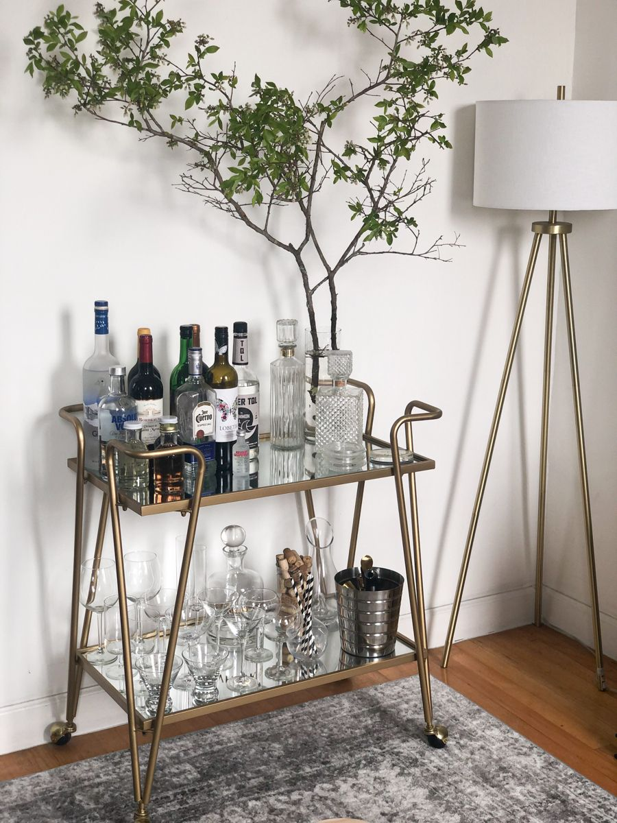 #barcart #homedecor #stayhome #quarantineliving #homestyling #dressingmybarcart