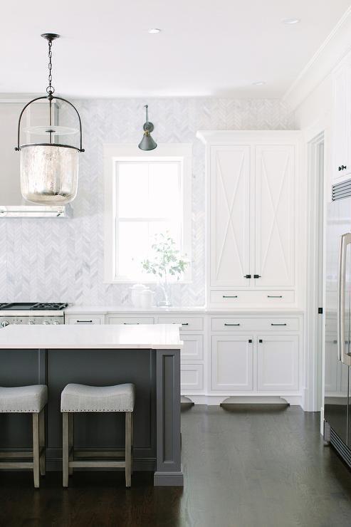 Marble herringbone tiles   Room Ideas   Pinterest   Diseño de ...