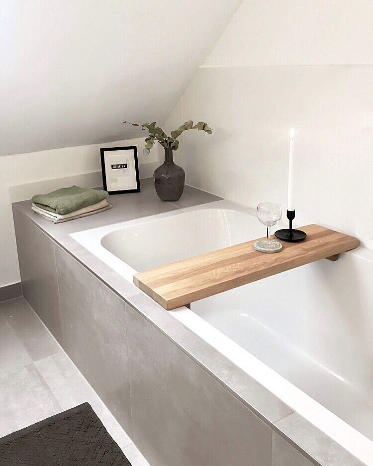 Badezimmer Betonoptik Badewanne Holz Ablage In 2020 Badezimmer Badewanne Holz Und Bad Inspiration