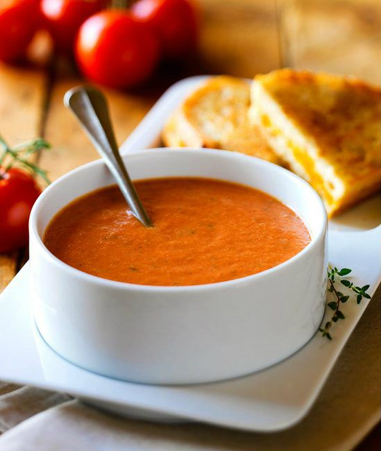 Tomato Soup and Grilled Cheeze.  Always wanted to try pero no me gusta el queso de americana, perhaps ..cheddar?
