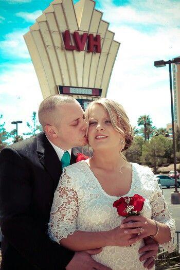 Just Married In Las Vegas At Chapelle De L'amour