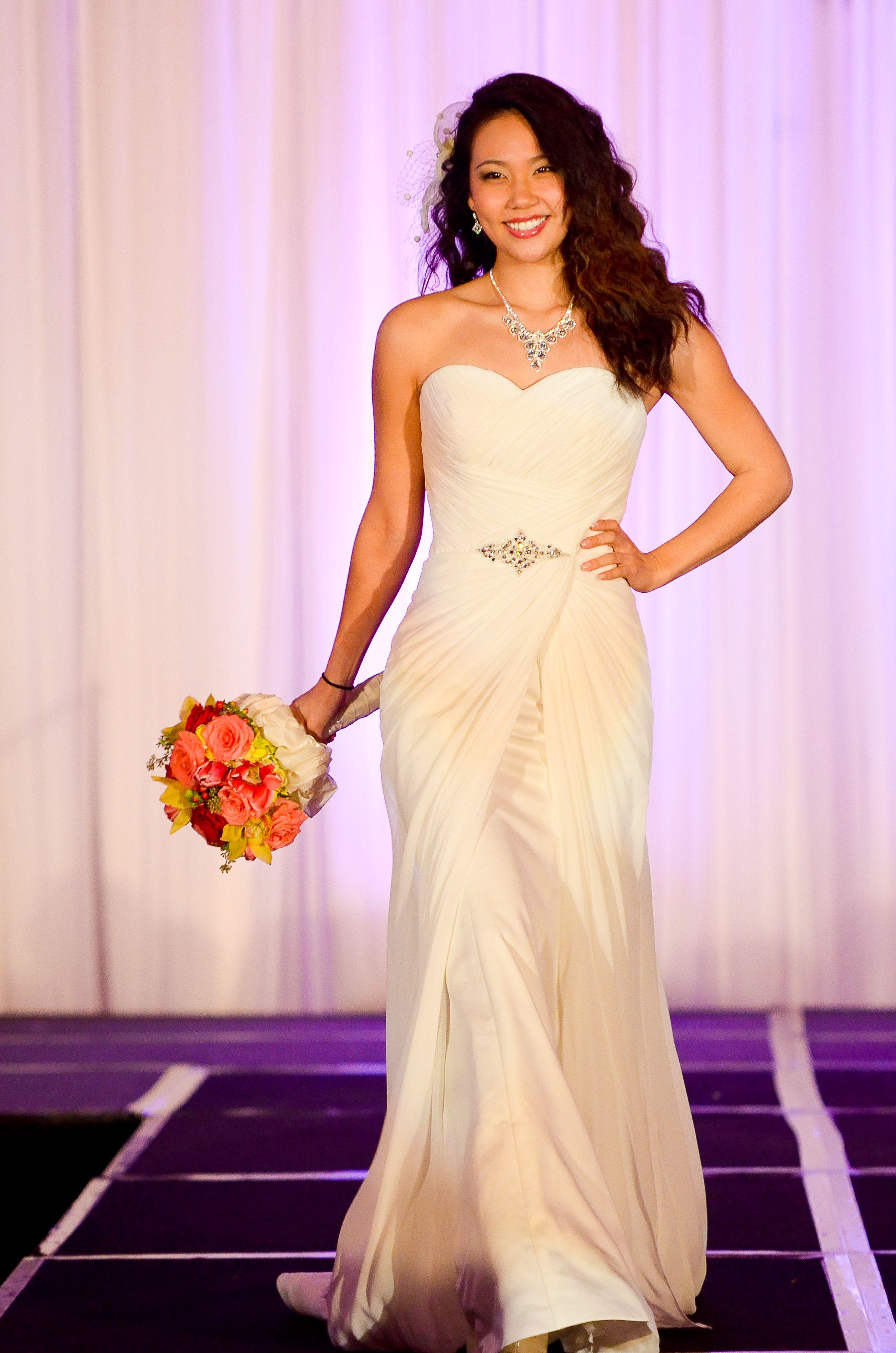 Bonito Chaquetilla Blanca Para El Vestido De Novia Inspiración ...