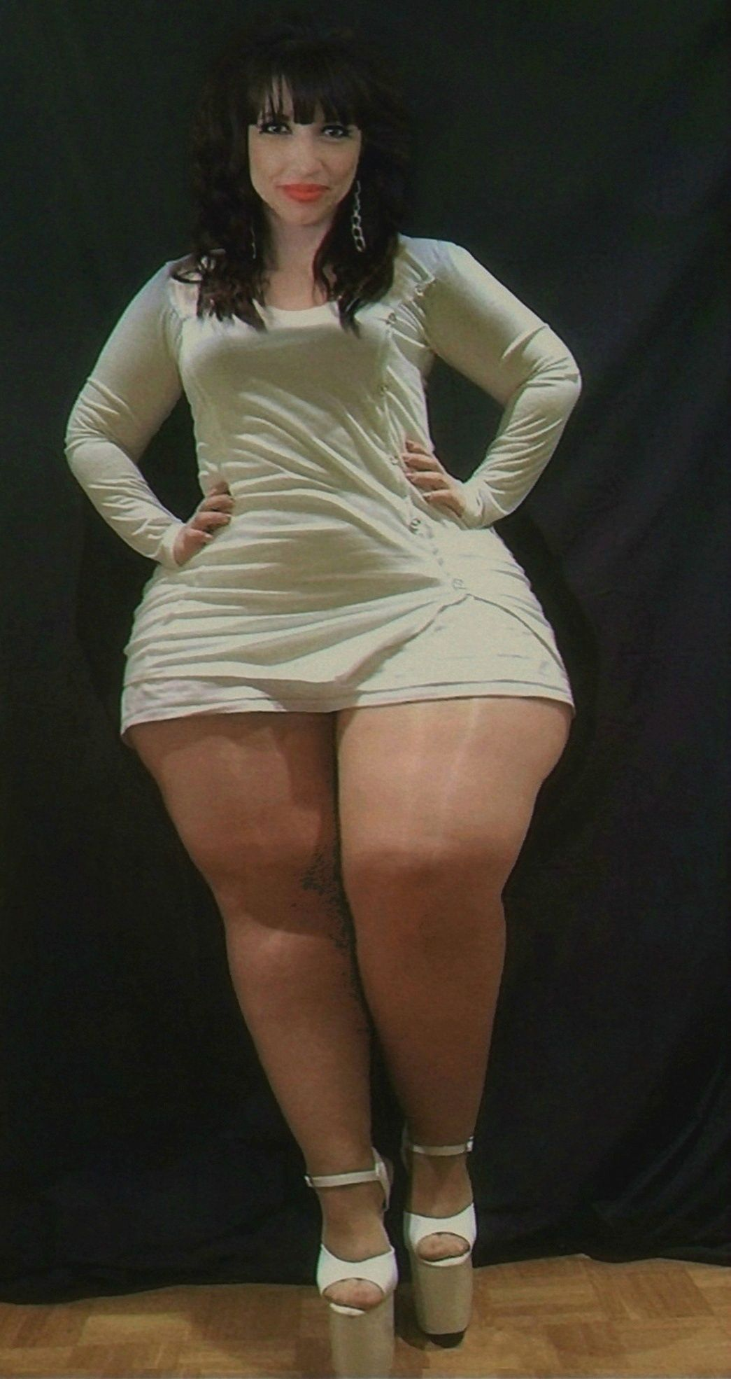 women thick thigh Big leg