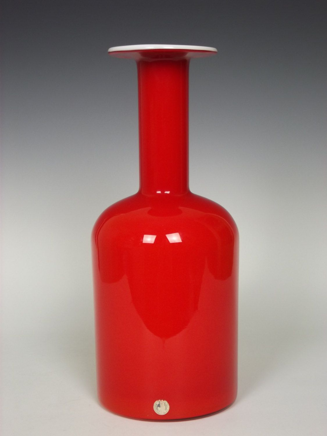 Holmegaard coral coloured glass gul vase by otto brauer holmegaard coral coloured glass gul vase by otto brauer reviewsmspy