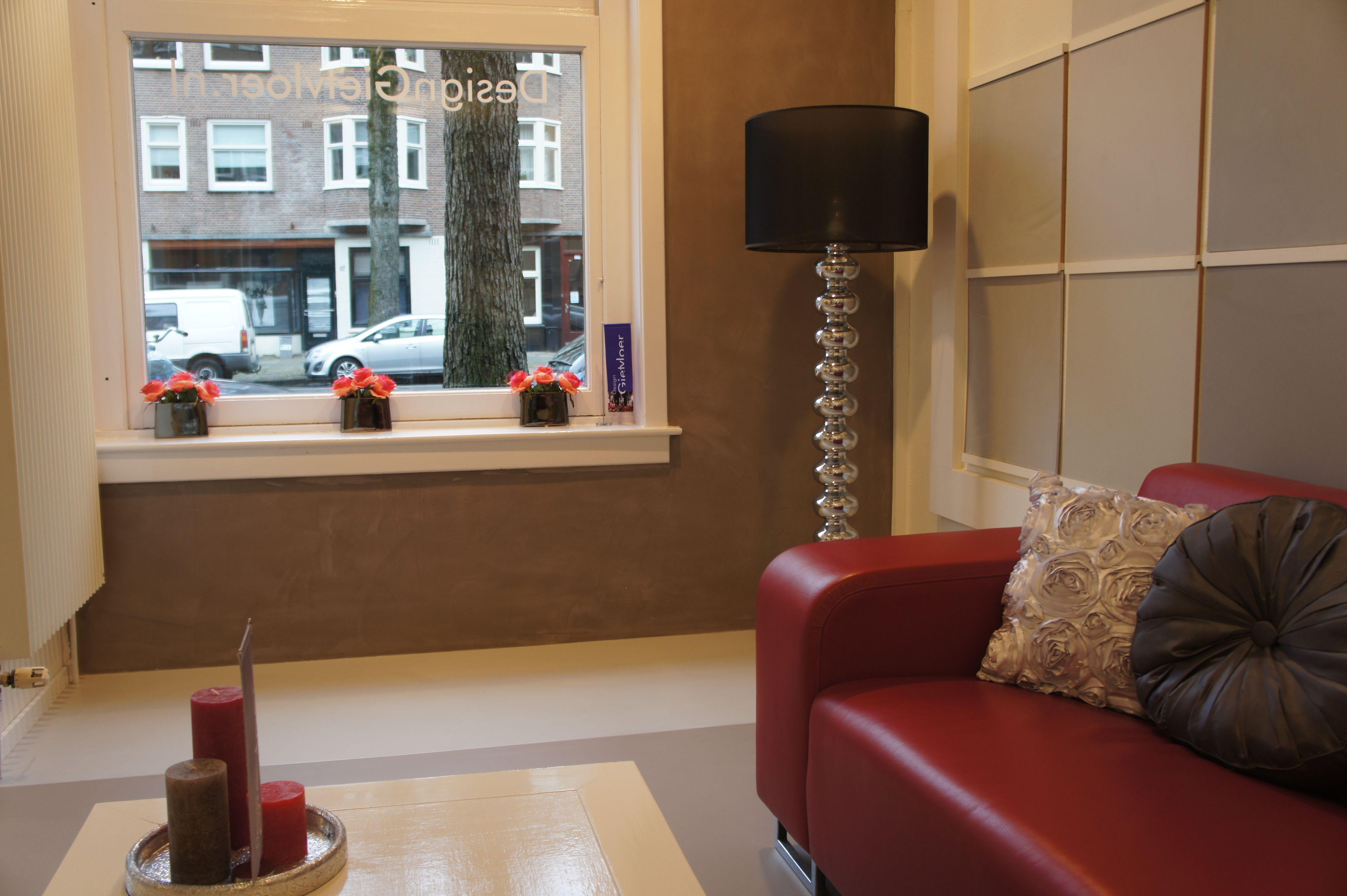 Onze kleurenstudio/showroom aan de Rijnstraat 200 Amsterdam. www.designgietvloer.nl 020-8457657 of info@designgietvloer.nl