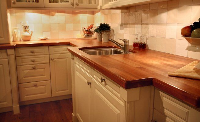 Simple Traditional Kitchen Design With Laminate Butcher Block