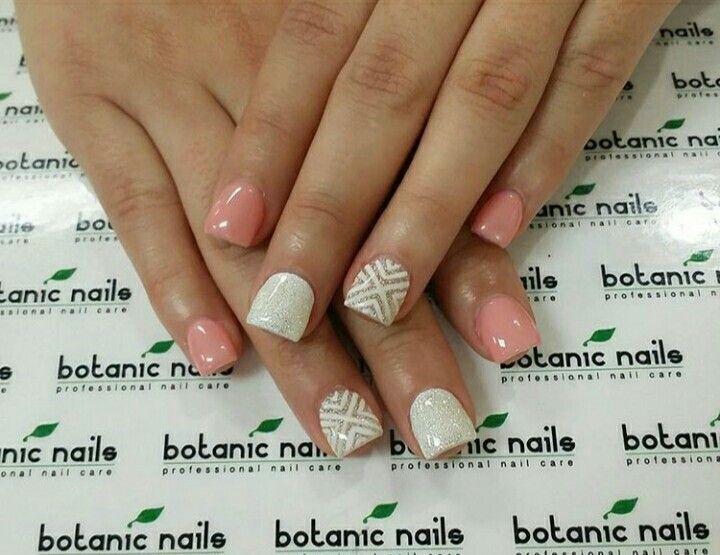 Uñas acrílico, blanco y decorado con color melón | uñas [mi vicio ...