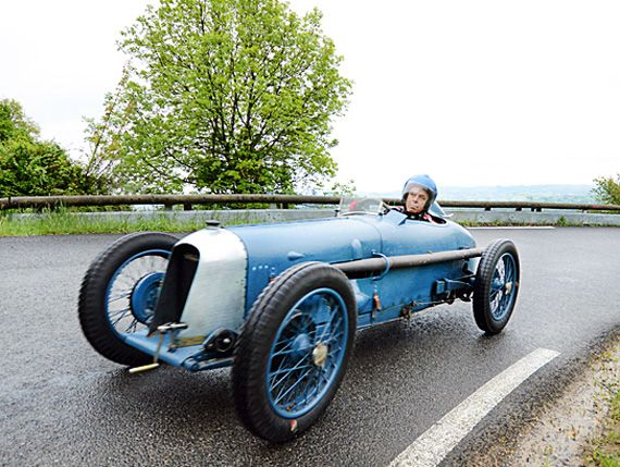 Amazing MCO Amilcar scaling the Mt Verdun hill. These 1094cc twin-cam 6 cylinders with dry-sump and supercharger beat speed records at Month...