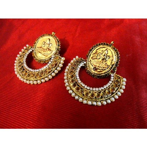 Beautiful elegant earrings from advaita with red stones and pearls