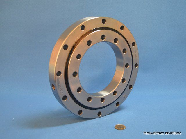 slewing ring bearing supporting a blade of wind turbine - household windmills - rigia@brsbearing.com