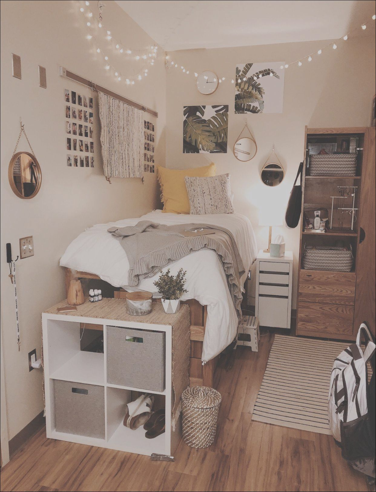 5 Excellent Small Room Design Idea Photos In 2020 College Dorm Room Decor Dorm Room Designs Dorm Room Inspiration