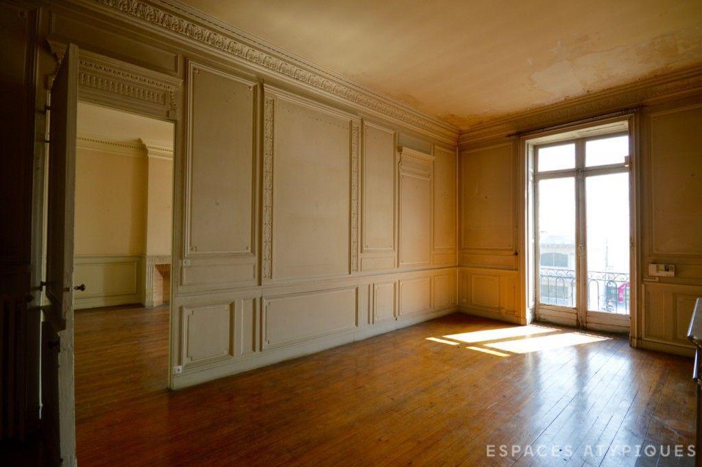 bordeaux appartement de 300m2 r nover quai des. Black Bedroom Furniture Sets. Home Design Ideas