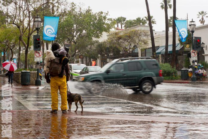 http://wayofthebicycle.com/2014/03/05/bike-anti-pron-vol-1/  Rain makes Santa Barbarians dress like stevedores. #bicycling #cycling #bicycle #bike #photography #bokeh #FujiXPro1 #SantaBarbara #California #streetphotography #sbliving #photooftheday #rain #weather