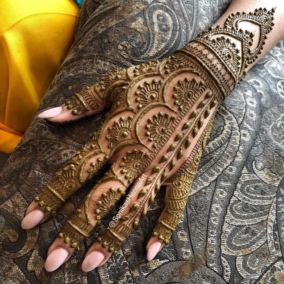 Love this modern bridal henna design inspired by mehndidesigner follow us for mor also best priyanka images in rh pinterest