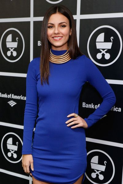 @AGjojokoko9 Victoria Justice Photos - 'An Evening With Jerry Seinfeld and Amy Schumer' - Inside - Zimbio