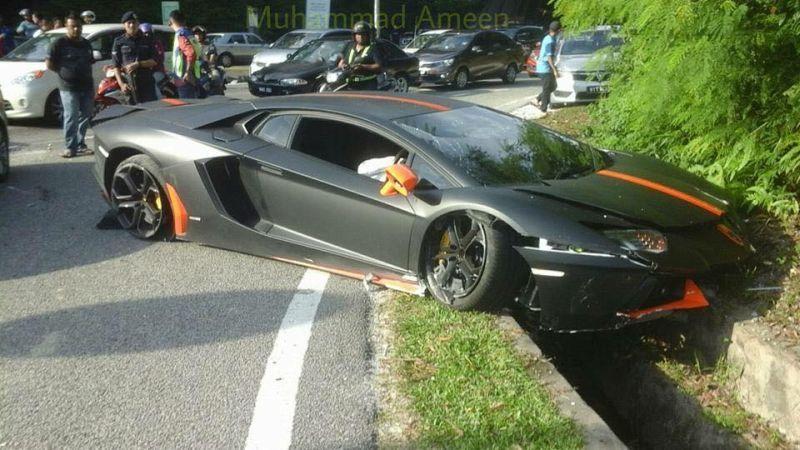 Zizan Razak beli Lamborghini Aventador RM 2 juta? Wow hebat Zizan ni on