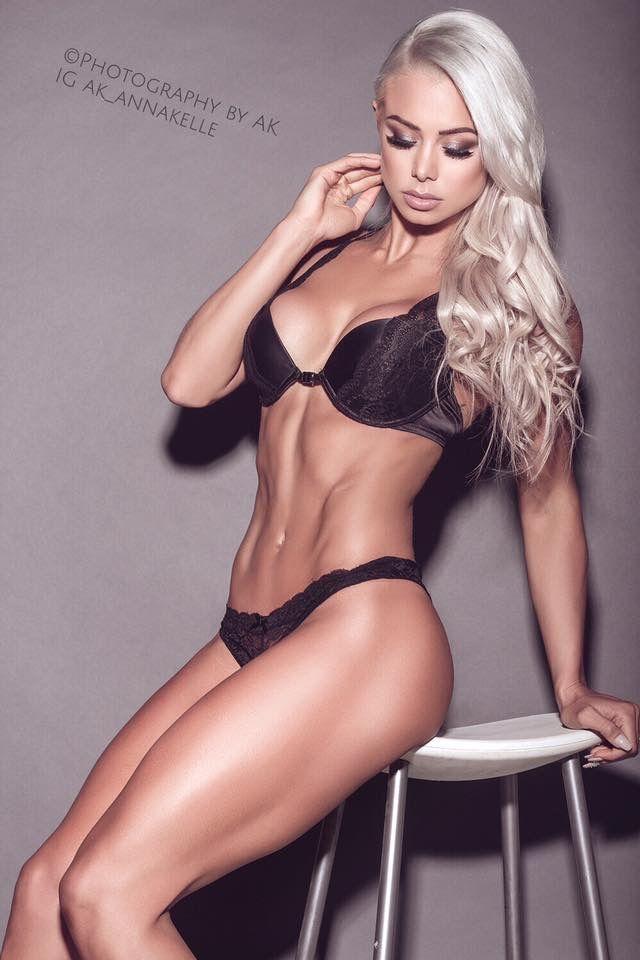 Lauren Simpson Nude Photos 15