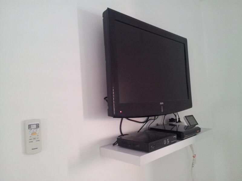 COM - Bedroom 1 with 32 Inch Flat Screen TV, Satellite and DVD. Mount TvTv  Wall ...