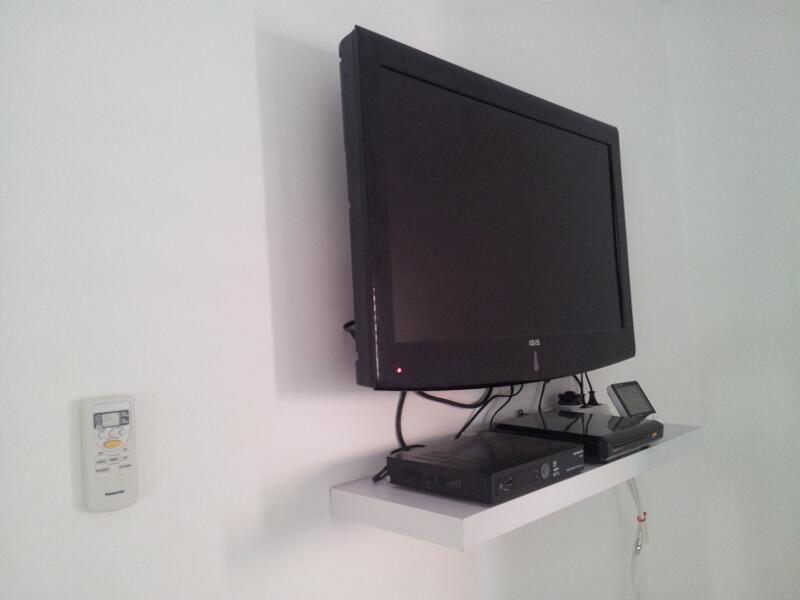 Wall Mounted Tv With Shelf